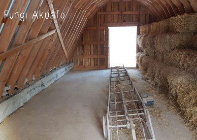 Barn loft - Ready for straw